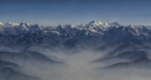 Панорама горной цепи пика и Гималаев Эвереста Эвереста стоковое изображение