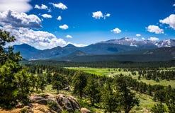 Панорама горных пиков Национальный парк утесистой горы colorado Природа Северной Америки, США Стоковые Изображения RF