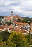 Панорама города и исторического замка в Cesky Krumlov взгляд городка республики cesky чехословакского krumlov средневековый стары Стоковые Фото