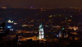 Панорама города на ноче стоковое фото rf