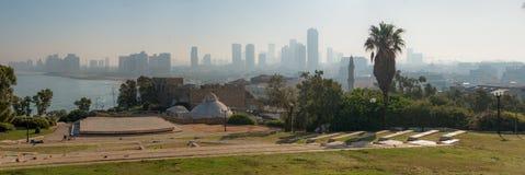 Панорама города Тель-Авив от парка Abrasha через ба стоковое изображение