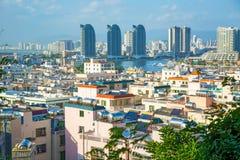 Панорама города Sanya, взгляд города в высшей точке, острове Феникса Стоковые Фотографии RF