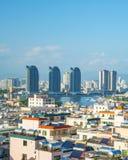 Панорама города Sanya, взгляд города в высшей точке, острове Феникса Стоковые Изображения