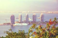 Панорама города Sanya, взгляд города в высшей точке, острове Феникса Стоковое Изображение RF