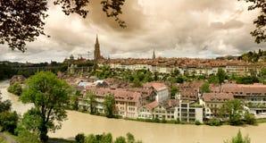 Панорама городка Bern старого столица Швейцарии, Стоковое Изображение