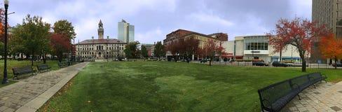 Панорама городской ратуши Вустера в Массачусетсе стоковая фотография