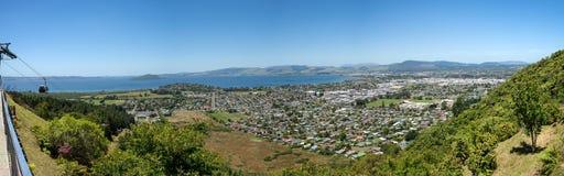 Панорама города и озера Rotorua Стоковое фото RF