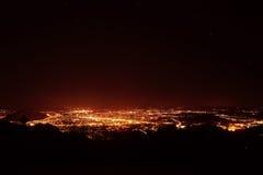 Панорама города ночи на Зальцбурге стоковое изображение