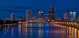 Панорама городского Rochester Нью-Йорка на ноче Стоковая Фотография