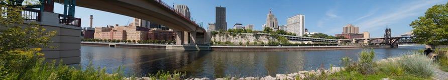 Панорама городского St Paul, Минесоты стоковые изображения rf
