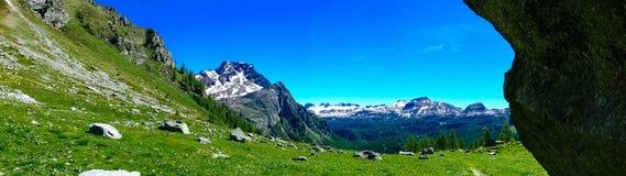 Панорама горы в лете Alpe Devero Стоковое Изображение