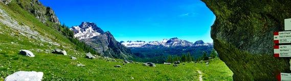 Панорама горы в лете Alpe Devero Стоковая Фотография RF