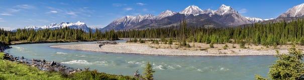 Панорама горы реки Kootenay, Британская Колумбия стоковые фото