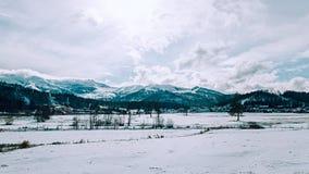 Панорама гор зимы Стоковая Фотография RF