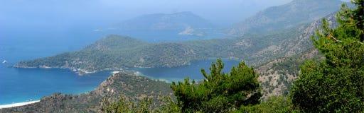 Панорама голубого индюка oludeniz лагуны и пляжа Стоковые Фотографии RF