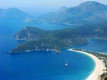 Панорама голубого индюка oludeniz лагуны и пляжа Стоковое фото RF
