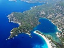 Панорама голубого индюка oludeniz лагуны и пляжа Стоковые Изображения