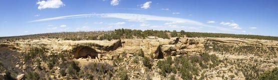 Панорама жилищ скалы в национальном парке мезы Verde стоковые изображения