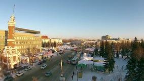 Панорама занятого пересечения в городе видеоматериал
