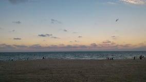 Панорама захода солнца на пляже Batu Burok Kuala Terengganu Малайзии стоковая фотография