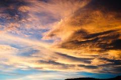 Панорама захода солнца в небе Стоковое Изображение RF