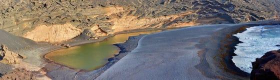Панорама зеленых озера/лагуны. Лансароте. Стоковое Фото