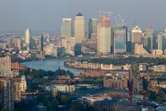 Панорама канереечного причала в Лондоне - реке Темзе Стоковые Изображения
