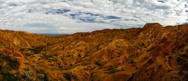 Панорама каньона сказки Skazka aka, Issyk-Kul Кыргызстана стоковые изображения