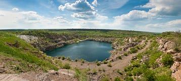 Панорама красивого озера стоковое фото rf