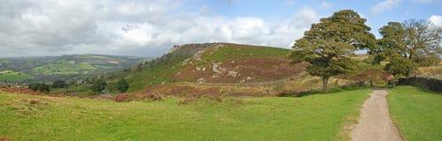 Панорама края гравера в заречье Derbyshire пиковом стоковые изображения rf