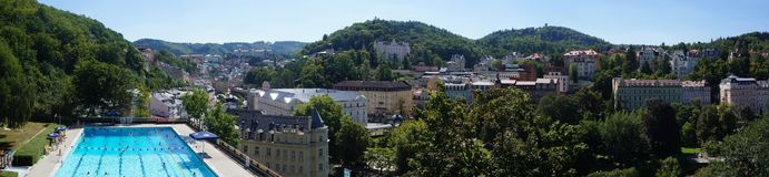 Панорама курортного города Karlovy меняет стоковое фото