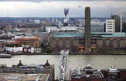 Панорама Лондона с Tate современным Стоковое Фото
