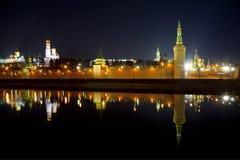 Панорама Москвы Кремля в ноче Стоковое Изображение RF