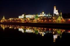 Панорама Москвы Кремля в ноче Стоковое фото RF