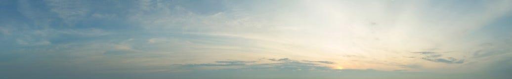 Панорама неба захода солнца Стоковые Фотографии RF