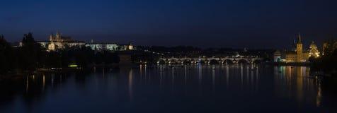 Панорама ночи Праги Стоковые Фото