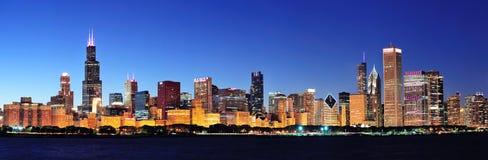 Панорама ночи Чiкаго Стоковые Фото