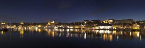 Панорама ночи Flensburg Стоковая Фотография RF