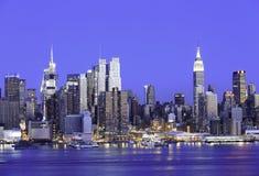 Горизонт Манхаттана нью-йорк Имперского штата стоковые изображения