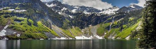панорама озера ненастная Стоковые Изображения RF