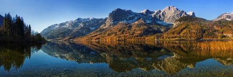 Панорама озера Grundlsee осени Стоковые Изображения