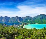 Панорама острова Phi-Phi, провинции Krabi, Таиланда Стоковое Изображение