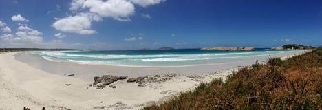 Панорама от голубого пляжа гавани Стоковые Фотографии RF
