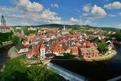 Панорама от замка Český Krumlov взгляд городка республики cesky чехословакского krumlov средневековый старый Стоковое Фото