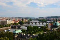 Панорама от парка &#x28 ¡ LetnÃ; Letenske Sady) Прага взгляд городка республики cesky чехословакского krumlov средневековый стары Стоковые Изображения