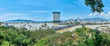 Панорама от холма башни Cham Po Nager к городу trang Nha, Вьетнама Стоковые Изображения RF