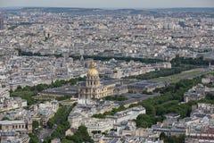 Панорама Парижа с видом с воздуха на des Invalides купола Стоковое фото RF