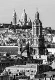 Панорама Парижа: Церков Sainte-Trinite и Sacre-Coeur i Стоковая Фотография RF
