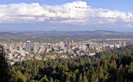 Панорама Портленда Орегона городская от особняка Pittock Стоковое Изображение RF