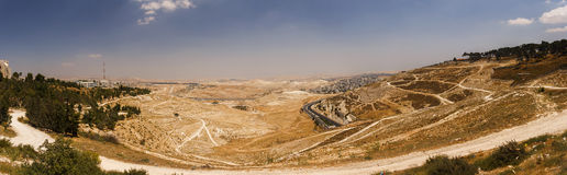 Панорама пригорода восточного Иерусалима и городка западного берега Стоковые Фотографии RF